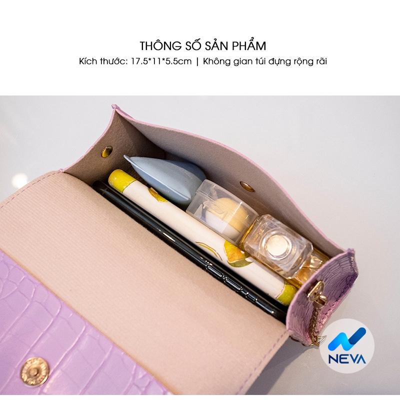 (Mới) Túi đeo chéo họa tiết hoa cúc dập vân phối dây thanh mảnh NEVA873