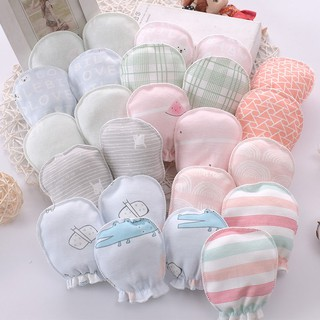 Găng tay vải cotton chống trầy xước cho bé sơ sinh