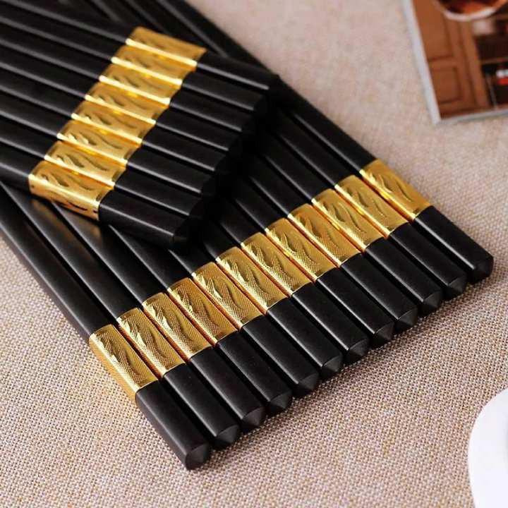 Kết quả hình ảnh cho hộp 10 đôi đũa sừng khảm vàng Hàn Quốc