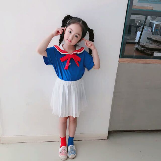 Váy thủy thủ bé gái