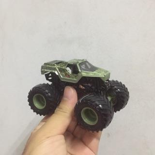 Xe ô tô Monster Jam( loại nhỏ)