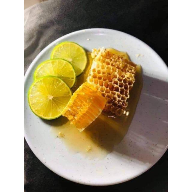 Mật ong bánh tổ tươi 400gr - 22670383 , 2730119748 , 322_2730119748 , 130000 , Mat-ong-banh-to-tuoi-400gr-322_2730119748 , shopee.vn , Mật ong bánh tổ tươi 400gr