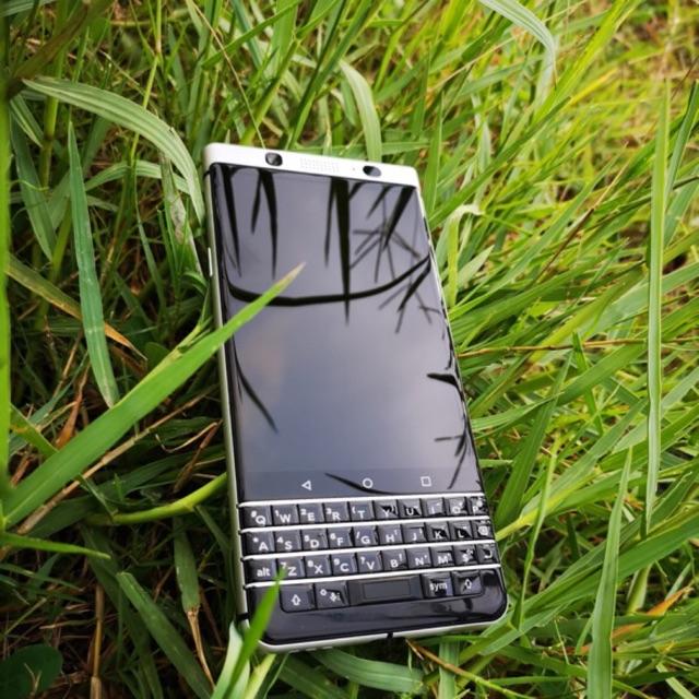 Điện thoại BlackBerry Keyone Silver Like New hàng xách tay chính hãng Ram 3G Quick Charge 3.0 - 2693175 , 1159332521 , 322_1159332521 , 7650000 , Dien-thoai-BlackBerry-Keyone-Silver-Like-New-hang-xach-tay-chinh-hang-Ram-3G-Quick-Charge-3.0-322_1159332521 , shopee.vn , Điện thoại BlackBerry Keyone Silver Like New hàng xách tay chính hãng Ram 3G