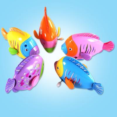Set 5 con Cá thả bồn tắm, bể bơi , di chuyển chạy bằng dây cót