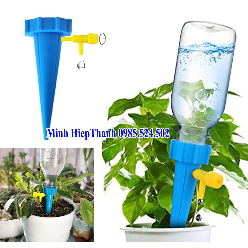 Dụng cụ tưới nước nhỏ giọt tự động cho cây trồng , cọc tưới nước nhỏ giọt