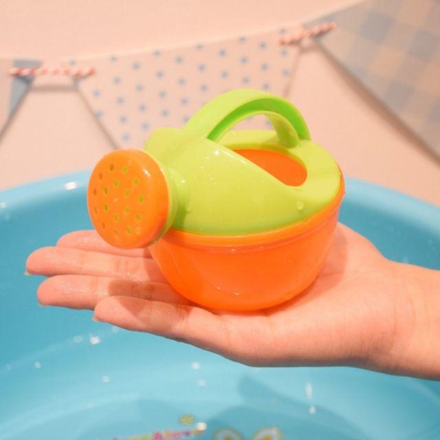Đồ chơi bình tưới nước cho bé