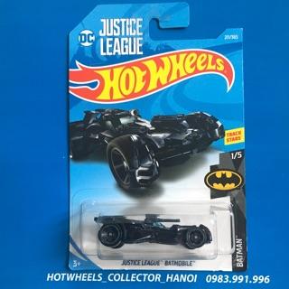 Xe Hot Wheels – Justice League Batmobile (Kính Màu Xanh)