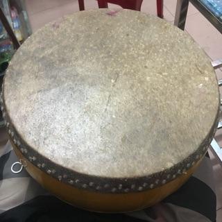 Trống da Trâu loại tốt ( đường kính 32cm) kèm dùi gỗ