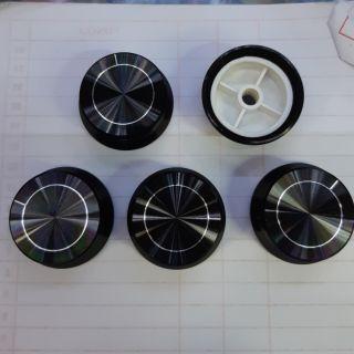 Nút tổng nhôm đen đường kính 34mm - giá 2 cái 50k