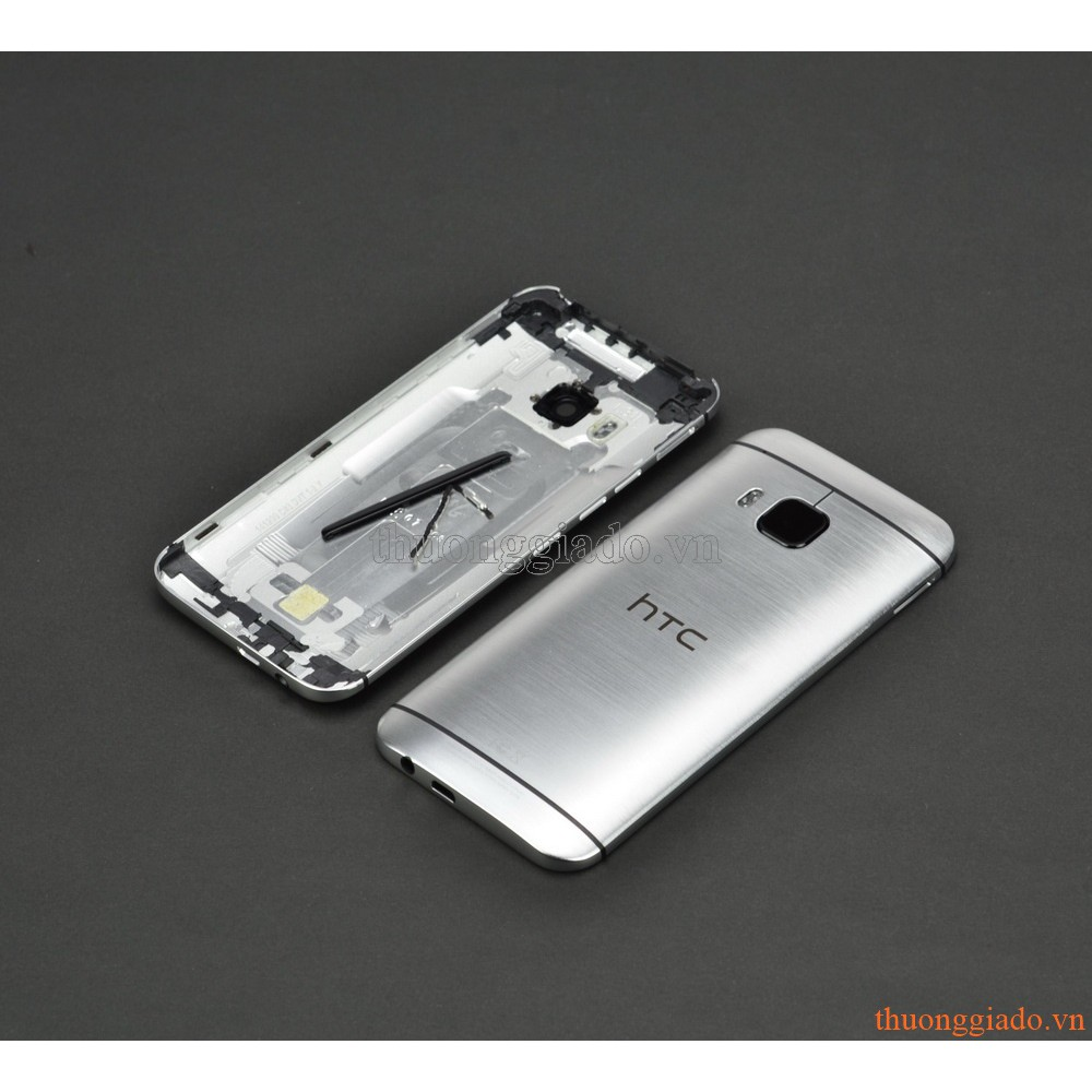 THAY VỎ (NẮP LƯNG, NẮP ĐẬY PIN) HTC ONE M9 MÀU TRẮNG BẠC