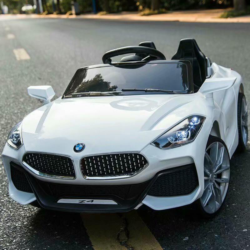 Ô tô xe điện trẻ em BMW Z4 tự lái và remote cho bé vận động ngoài trời
