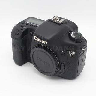 Máy ảnh Canon 7D Body xách tay cũ like new