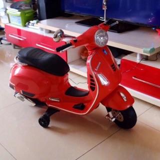 ☘️ Xe máy điên vespa LX125. Ibox cho shop để chọn màu nhé😘😘