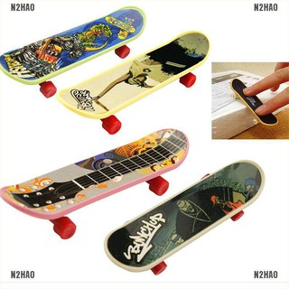N2HAO 1X Mini Finger Board Skateboard Novelty Kids Boys Girls Toy Gift for Party 3.7″