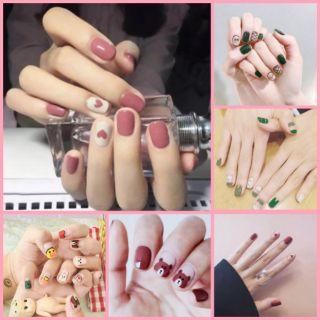 Bộ dán móng tay gồm 14 nail stick không thấm nước, độ đàn hồi tốt. thumbnail