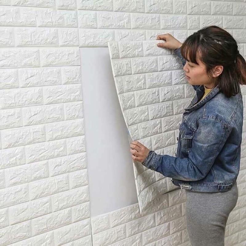 Xốp dán tường giả gạch 3d , khổ lớn 70x77cm có 3 màu xanh, Hồng , trắng