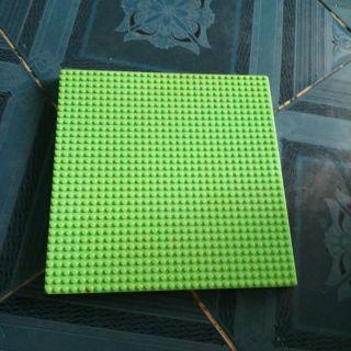 Phụ kiẹn non lego base 32×32 đã qua sử dụng.