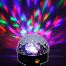 Đèn quả cầu xoay nhiều màu cảm biến nhạc(yang69)