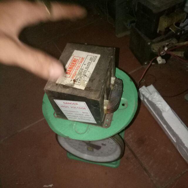 Giảm Giá Biến áp lò vi sóng đục sẵn 800-900-1000e