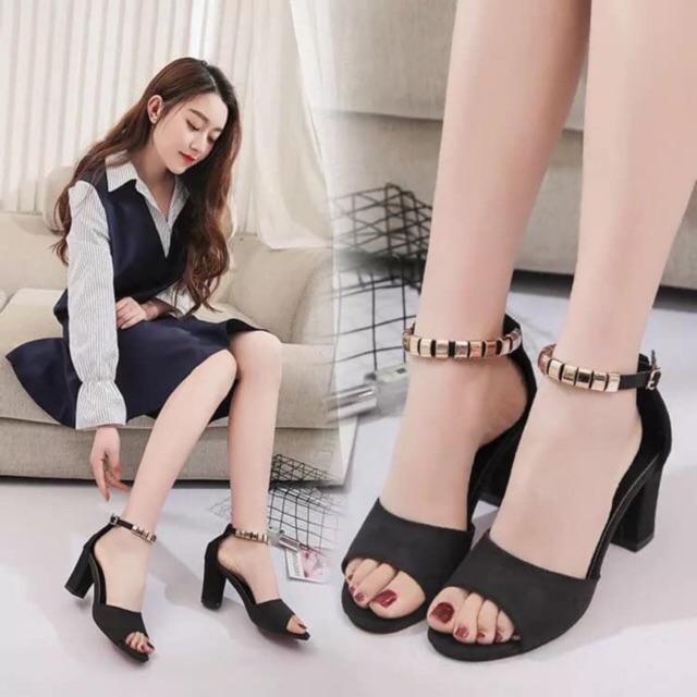 Sandal gót vuông quai cườm (màu đen) + [Video sản phẩm ]