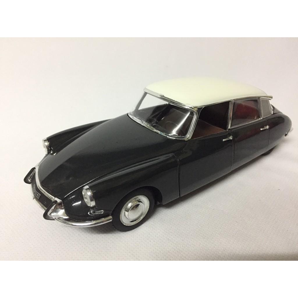 Mô hình xe Ô Tô CITROEN DS 19 Năm1963 tỷ lệ 1:24