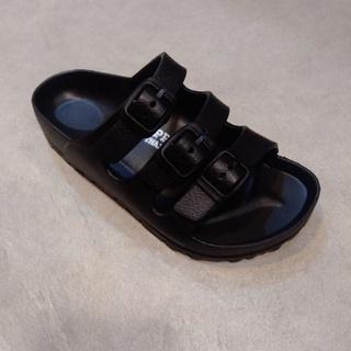 Giày sandal màu đỏ thời trang cho bé thumbnail