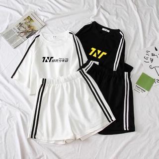 Set áo quần nhóm nhạc TNT