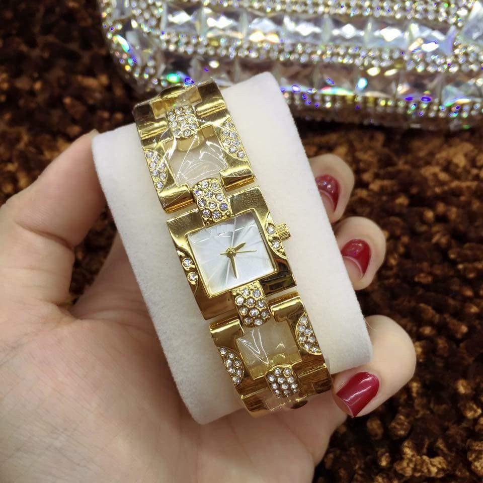 Đồng hồ nữ lắc tay bảng vuông AM42