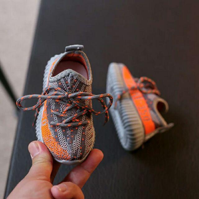 Order Giày thể thao của bé