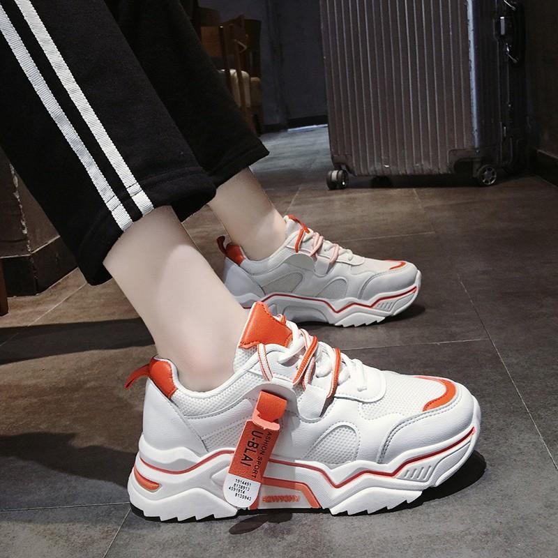 【จัดส่งฟรี】ง 2019 ใหม่รองเท้าลำลองหนา soled สายป่าระบายอากาศเพื่อเพิ่มรองเท้าเก่า