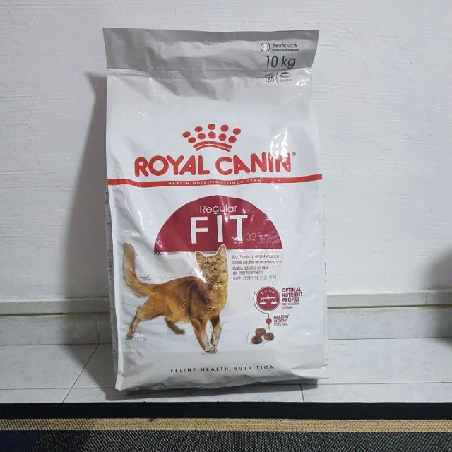 Thức ăn Royal Canin Fit cho mèo lớn bao 10kg