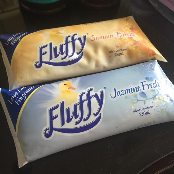 Nước xả vải cô đặc Fluffy Fabric Softener 250ml