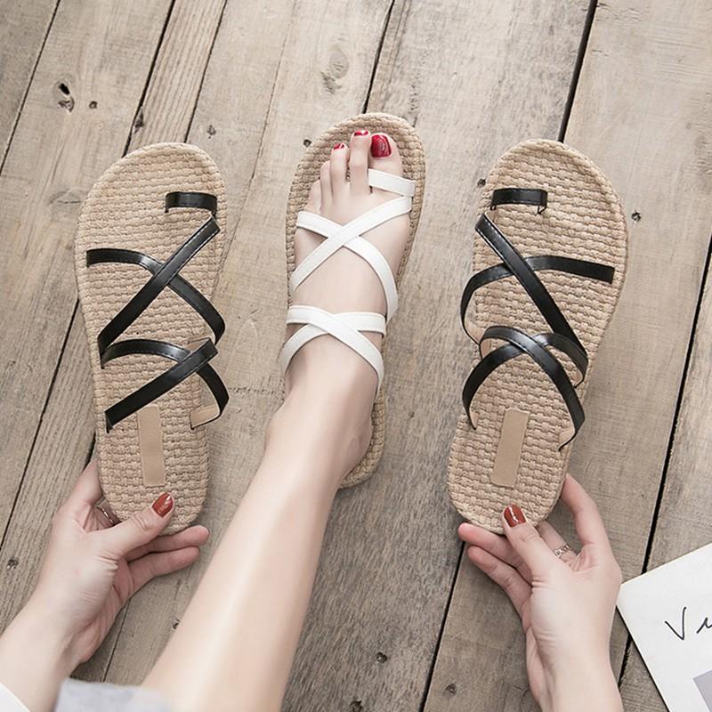 te fairy wind non-slip beach Roman shoes word buckle soft bottom student sandals