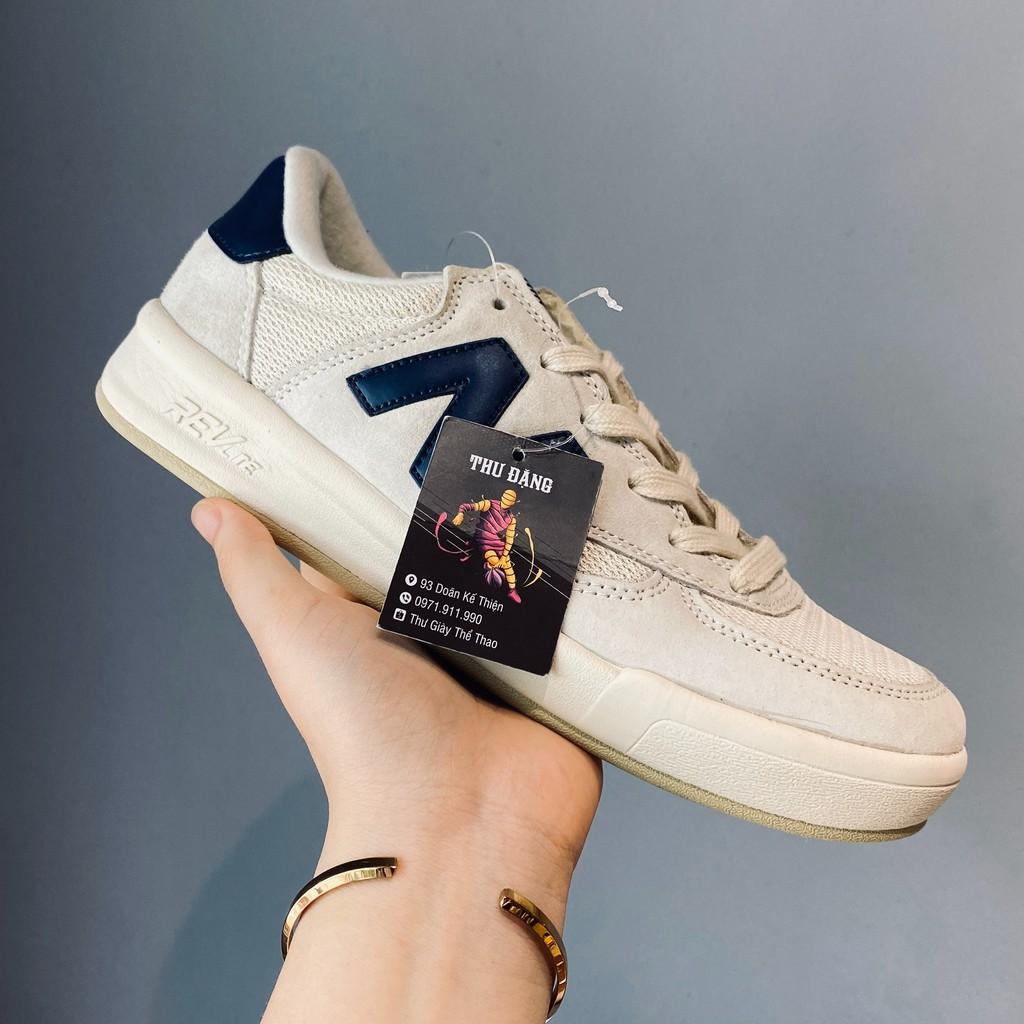 Giày thể thao sneaker NB trắng chữ xanh than