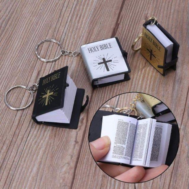 Phụ Kiện Cơ Đốc Móc Khóa Kinh Thánh Nhỏ Nhỏ Xinh Xinh Nhưng Rất Đẹp và Ý Nghĩa Khi Dành Tặng Cho Những Người thân