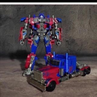Robot biến hình optimus Transformers