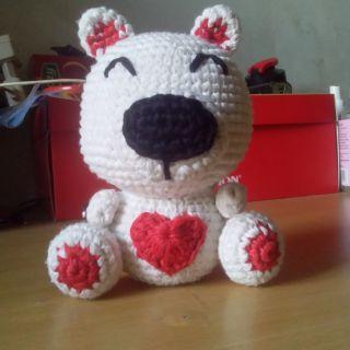 Gấu Valentine bằng len
