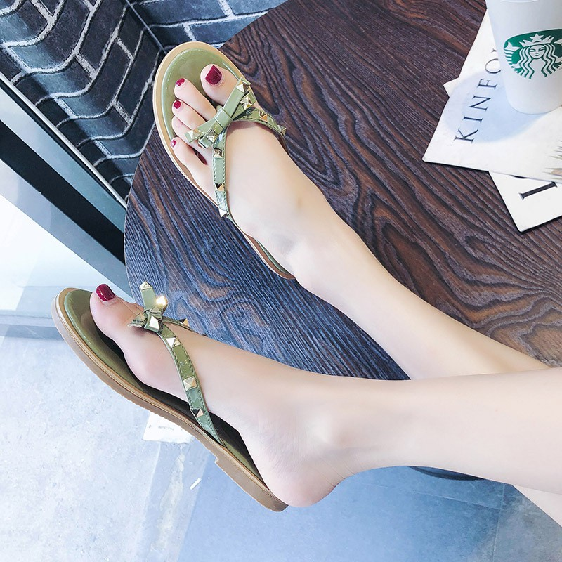 Dép quai ngang phong cách Hàn Quốc trẻ trung dành cho nữ - 23077062 , 2649062927 , 322_2649062927 , 191000 , Dep-quai-ngang-phong-cach-Han-Quoc-tre-trung-danh-cho-nu-322_2649062927 , shopee.vn , Dép quai ngang phong cách Hàn Quốc trẻ trung dành cho nữ
