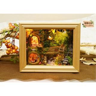 Mô hình khung tranh nhà búp bê – Nut's Station – tặng kèm cót nhạc + mica + keo UHU 20ml