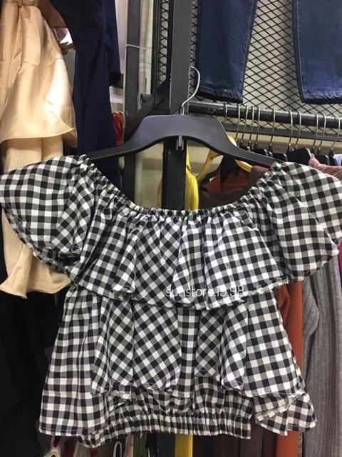 Áo croptop bẹt vai 2 tầng trễ vai trắng caro ( hình thật mẫu shop chụp) | WebRaoVat
