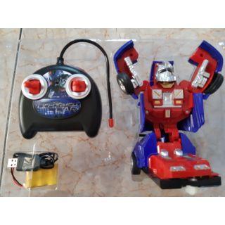 Xe điều khiển robot biến hình