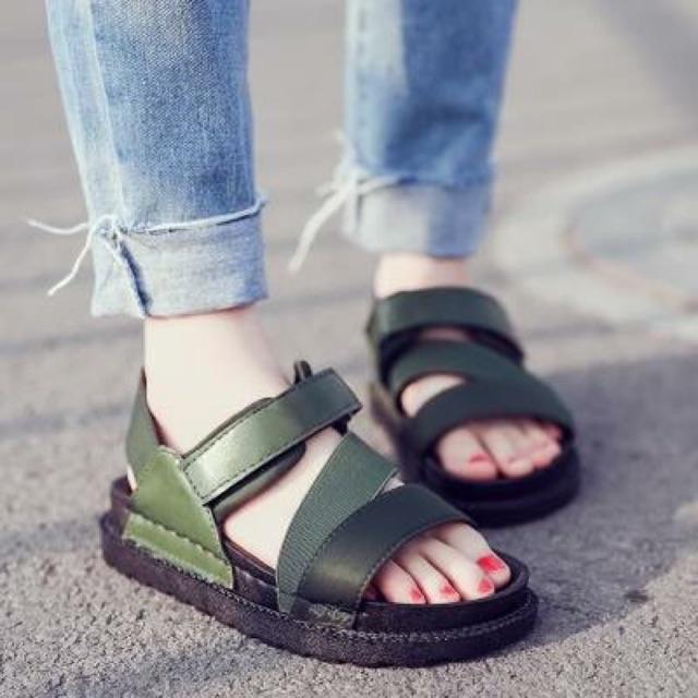 Sandal quai chéo hàn quốc