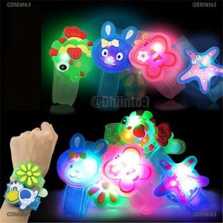 Đồng hồ đeo tay có đèn led kiểu hoạt hình xinh xắn cho bé