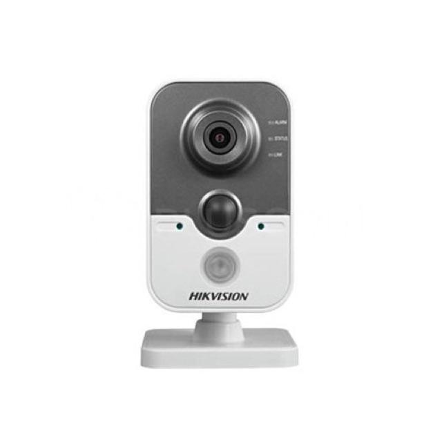 Camera cube IP wifi chống trộm  không dây 2.0mp HIKVISION DS-2CD2420F-IW tích hợp cảm biến chuyển động IR10m Full HD