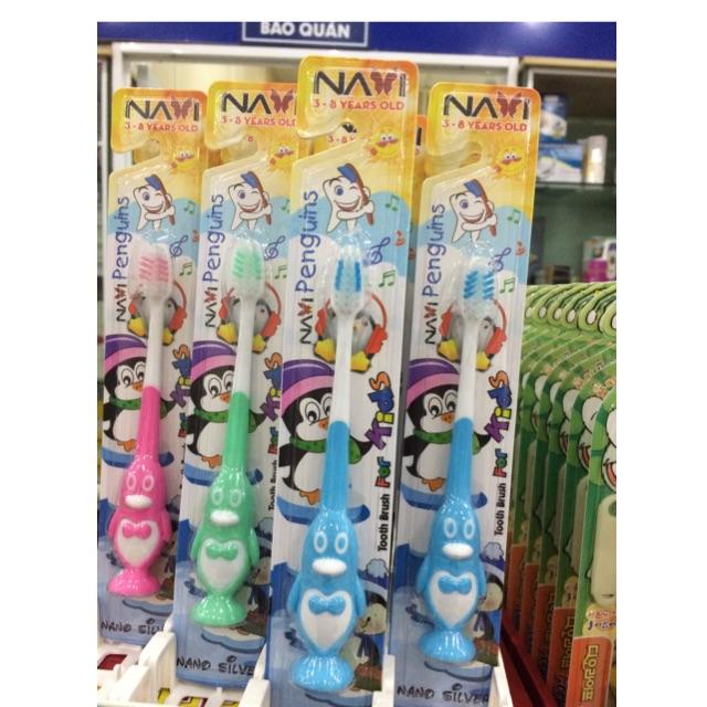 Bàn chải đánh răng cho bé NAVi Penguins 3- 8 tuổi - 3106595 , 760285426 , 322_760285426 , 25000 , Ban-chai-danh-rang-cho-be-NAVi-Penguins-3-8-tuoi-322_760285426 , shopee.vn , Bàn chải đánh răng cho bé NAVi Penguins 3- 8 tuổi