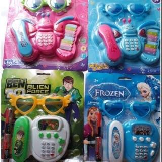 ( Tặng kèm 2 pin ) Vĩ đồ chơi điện thoại và mắt kính có nhạc