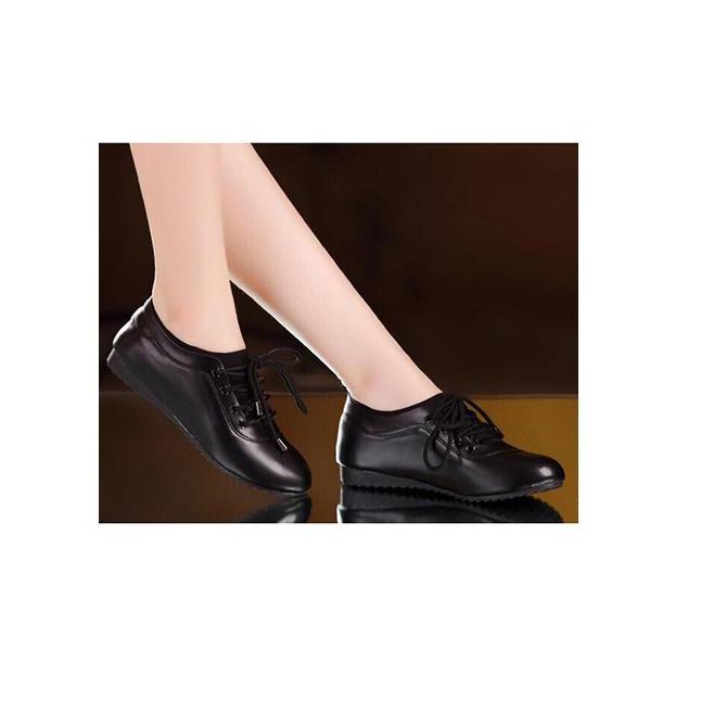 Giày thể thao êm chân màu đen 586
