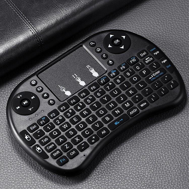 Bàn phím wireless mini cầm tay kiêm chuột cảm ứng UKB 500