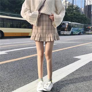 Chân váy kẻ xếp li