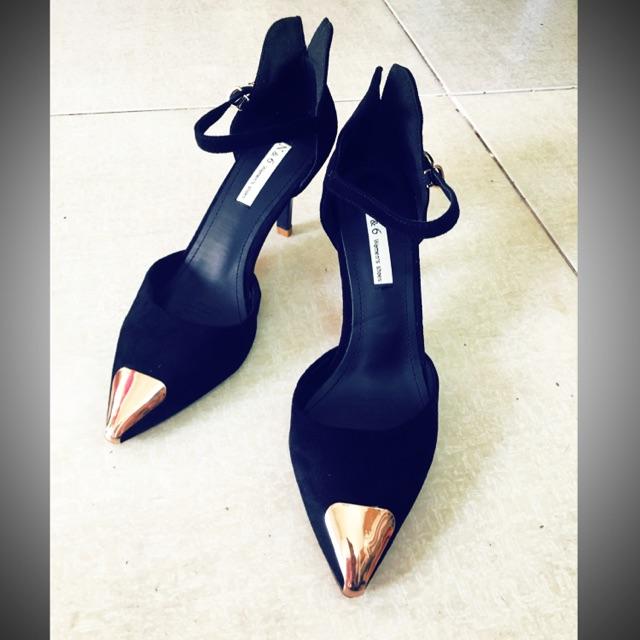 [Thanh lý] Giày cao gót da lộn đen mũi vàng